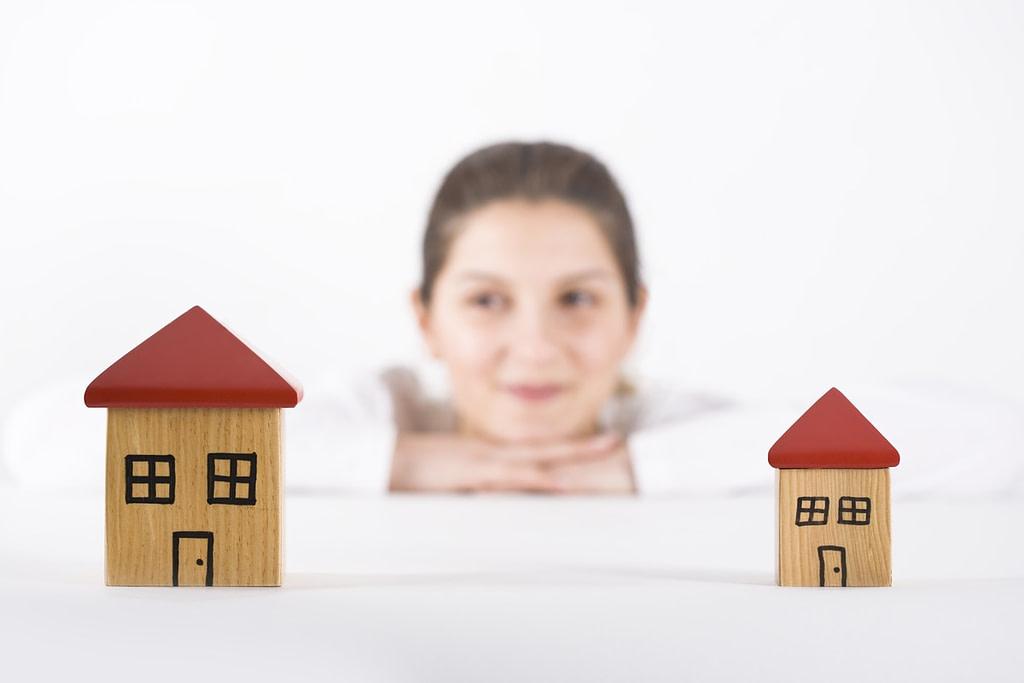 Cambiare Casa è una delle decisioni più difficili della vita. Inoltre il dilemma sempre presente su cosa sia meglio fare assilla tutti coloro che hanno questo progetto da realizzare.