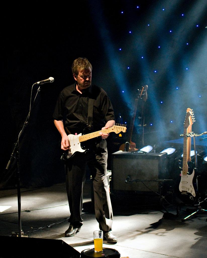 Eric Clapton ha assemblato la sua Jackie con pezzi di altre chitarre, è stata venduta ad un prezzo inimmaginabile, il suo Valore è inestimabile